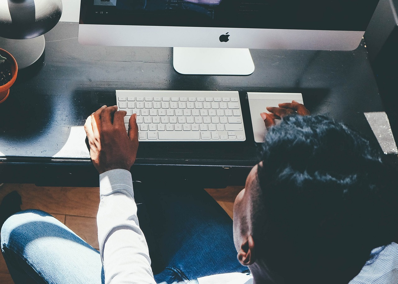 Meble biurowe – komfort w pracy