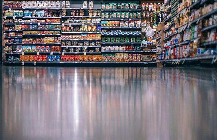 Regały sklepowe: obowiązkowe wyposażenie każdego sklepu
