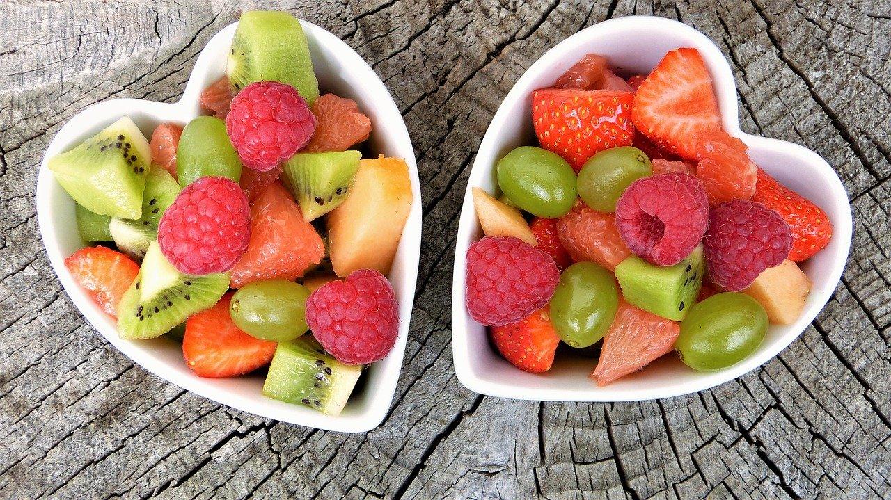 Sprezentuj kosz z owocami